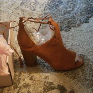NWT JustFab heeled sandal